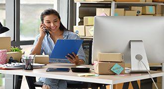 business-woman-entrepreneur-T8VCPRG